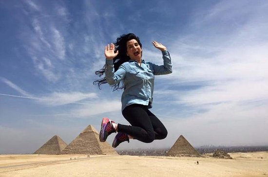 Tour de dia perfeito das pirâmides