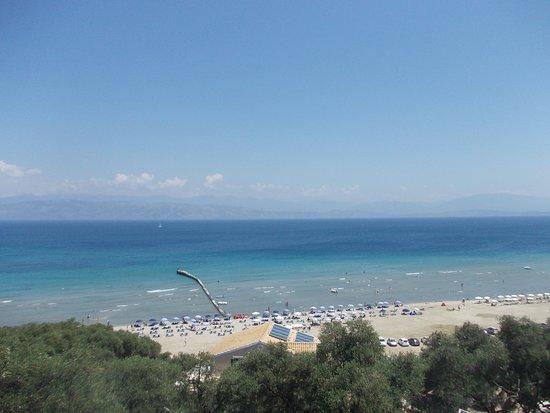 Apraos, Yunani: Vista panoramica sulla spiaggia