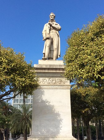 Monumento a Carlo Cottone