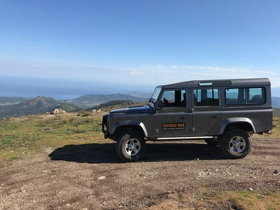 Ile Rousse, France: Montagne dans le Ghjunsani à 1200m