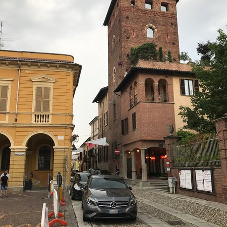 Felizzano, Italien: View from the piazza (july2018)