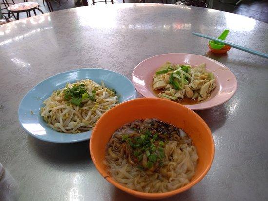 Onn Kee Restaurant (Tauge Ayam Kue Tiau): P_20180716_162038_large.jpg