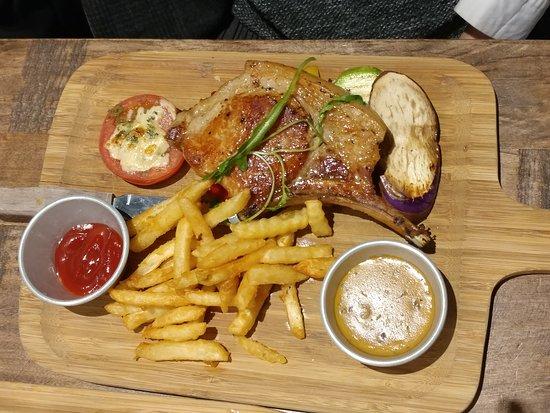 意乐餐厅 (天晋汇):豬扒肉質鬆化又多汁