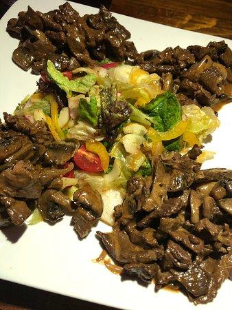 Aktobe, Kazakstan: Теплый салат с грибами