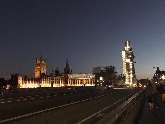Big Ben: 晚上的大笨鍾
