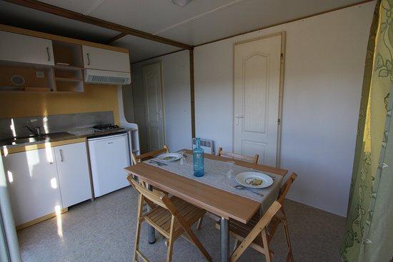 Intérieur chalet - Picture of Camping du Villard, Thorame ...