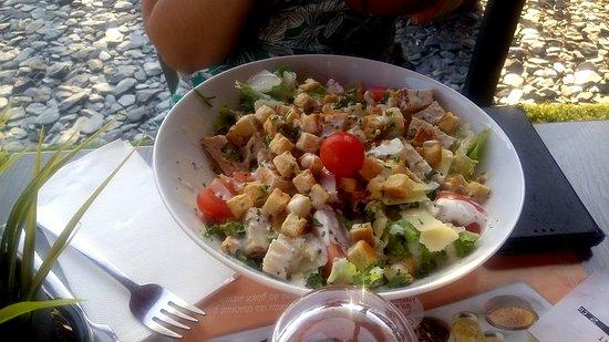 Redon, France: Salade Caesar Classique