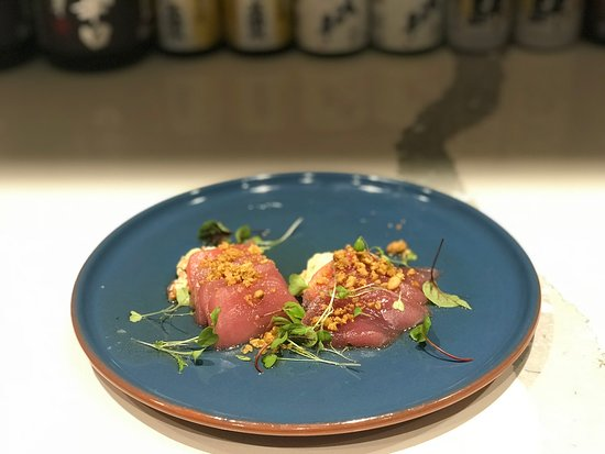 Lane Cove, Αυστραλία: Raw Bar : Yellowfin Tuna (bacon cream fraishe, lime vinaigrette, roasted pine nut, chorizo oil)