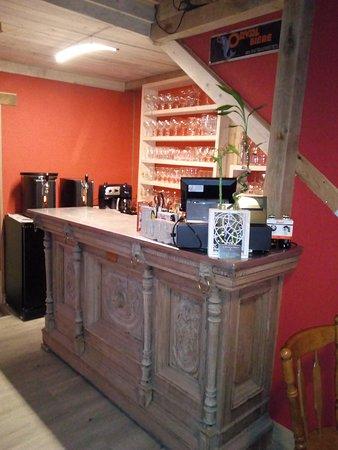 Gedinne, Belgium: Bar et restaurant sur place