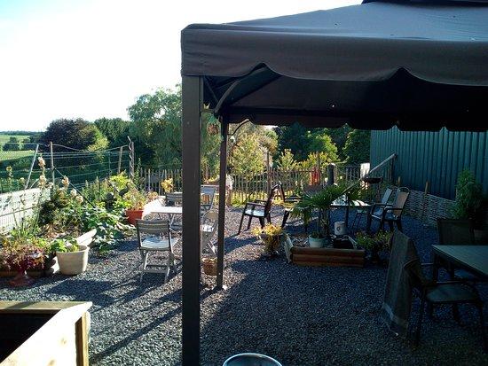 Gedinne, Belgium: Terrasse bien orientée
