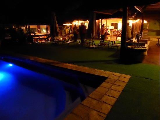 Skukuza, Afrika Selatan: Piscina y terraza