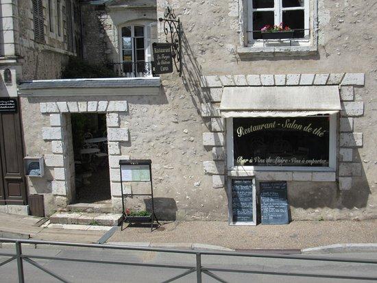 Les Forges du Château: Front of restaurant