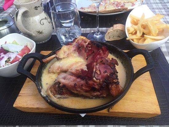 La Grenouille : Pata de cerdo con queso fundido
