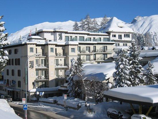 Tam, kde se bohatí pacienti chtěli bavit sněhem, vznikla lyžařská vášeň, která do dnešních dnů vyrostla v šest moderních areálů se všemi snowparky, offpisty.