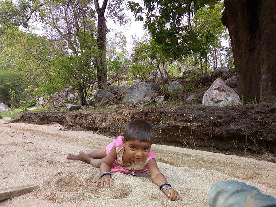 Dahod, India: Bhuriya nitu