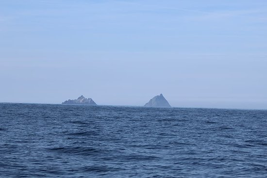 Skellig Michael islands, The sea is prettry calm, Sky is Blue
