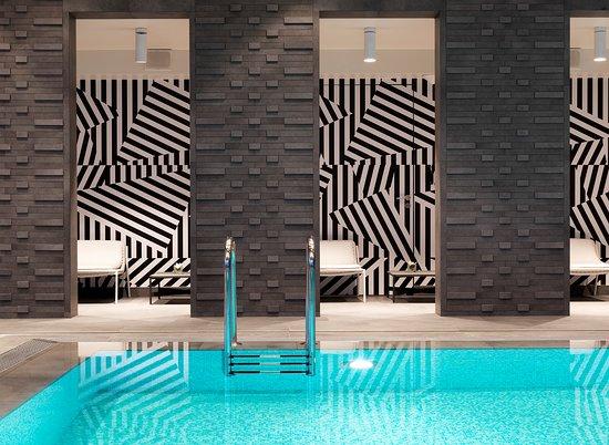 Renaissance Warsaw Airport Hotel: Indoor Pool