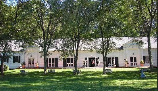 Falls Village, CT: Gordon Hall at Music Mountain