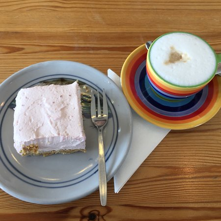 Mellon Charles, UK: Raspberry Cheesecake and Latte Macchiato
