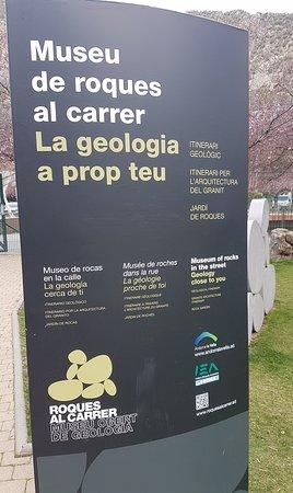 Андорра-ла-Велья, Андорра: Cartel indicativo del Museo (está en el Parc Central)
