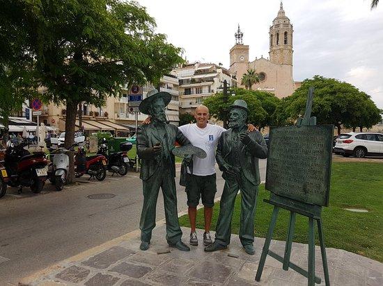 Estatuas de Santiago Rusinol y Ramon Casas