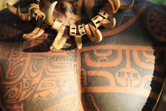 Tahiti, Polynésie française : Tatouage marquisiens