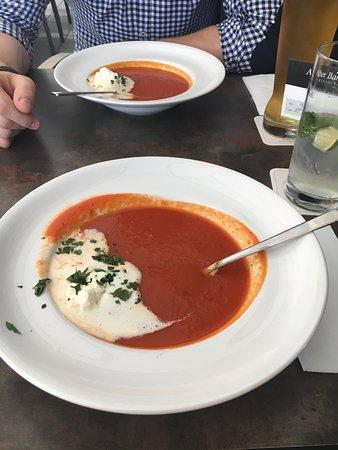 Holzgerlingen, Jerman: Tomatensuppe