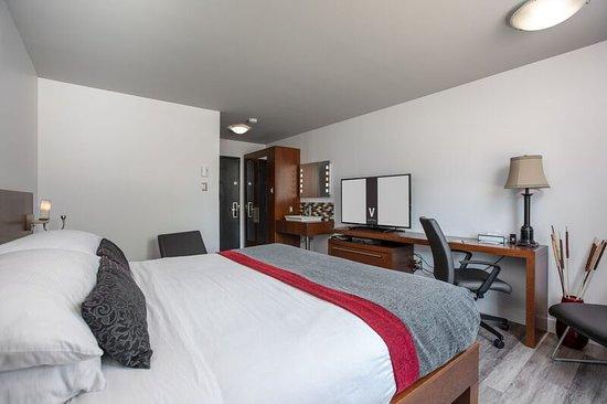 Chambre Tendance - Picture of Hotel V, Gatineau - TripAdvisor