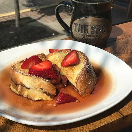 Jackson, OH: Sunday Brunch at The Spot on Main - Nutella Stuffed French Toast