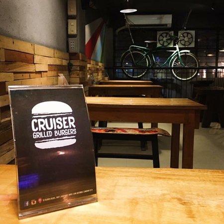 Candon City, Filippinerna: Cruiser Burgers in Candon