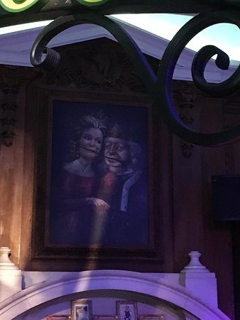 DreamWork's Tours: Shrek's Adventure! London: a painting on the wal