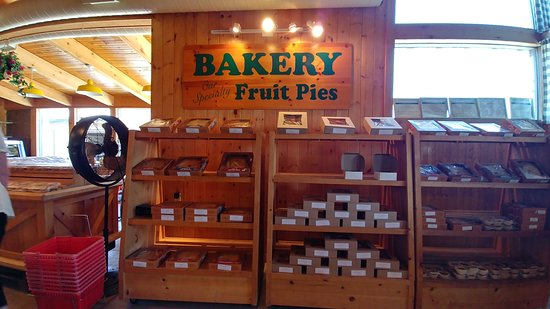 Vineland, Καναδάς: Baked in store pies and tarts