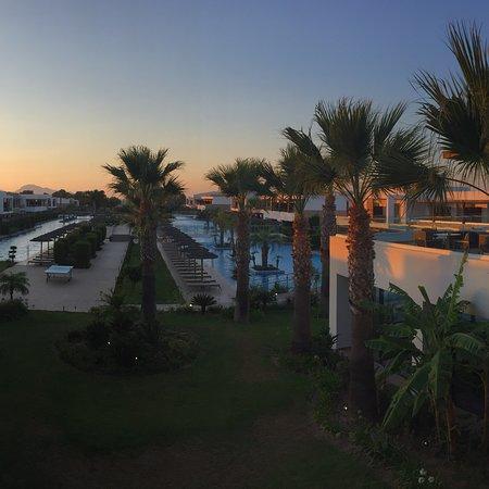 Zimmer mit Pool an der eigenen Terrasse