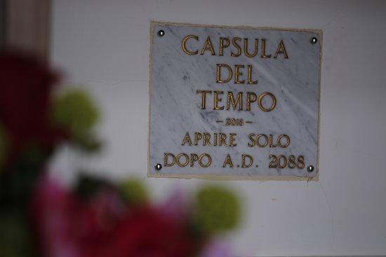 Memoriale Il Giardino della Vita : Capsula del Tempo racchiude messaggi per le persone di domani