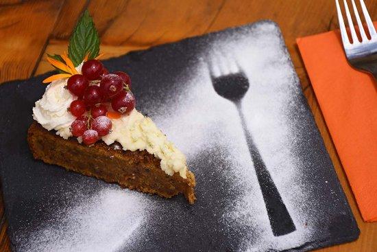 Oberiberg, สวิตเซอร์แลนด์: Adlerhorst Kuchen Dessert Nachspeise