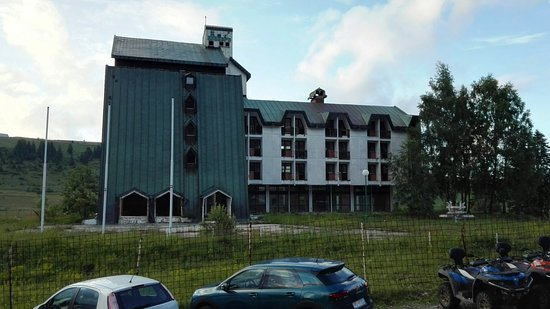 Durmitor National Park, مونتينيغرو: abandoned hotel