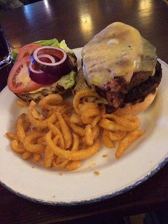 Wythall, UK: Old Faithful Burger. Fantastic value.
