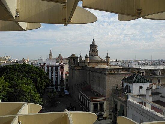 Plaza Mayor: Widok na Salvador