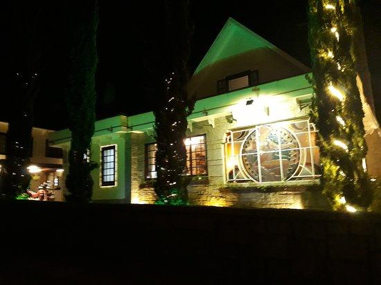 Vila St Gallen - A Casa da Cerveja Therezópolis: Iluminado