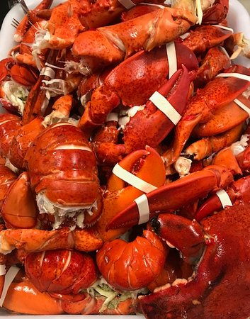 Kingston, Нью-Гэмпшир: Fresh Lobster for Our Lobster Rolls