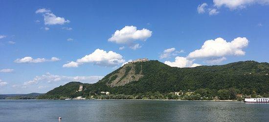 Nagymaros, Hungria: Kilátás a piknikből