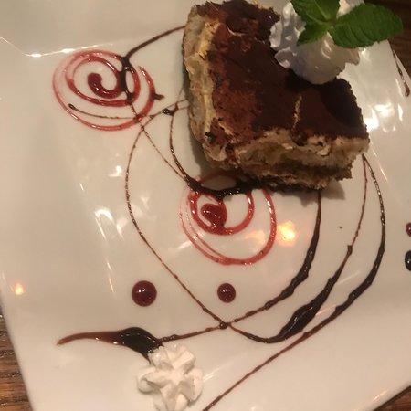 Leola, PA: Vinola's Restaurant and Bar