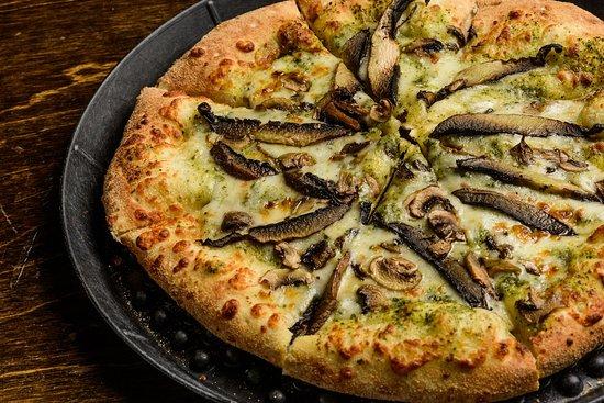 Madison, MS: The Magic Mushroom Pizza