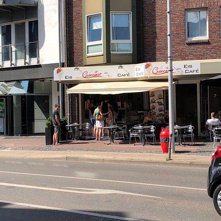 Heinsberg, Germany: Café von der Straße aus