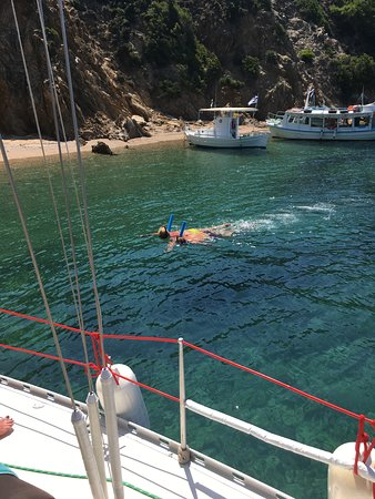 Sail the Day - Skiathos Sailing Trips: Stefanos and AKA Snorkel Jack