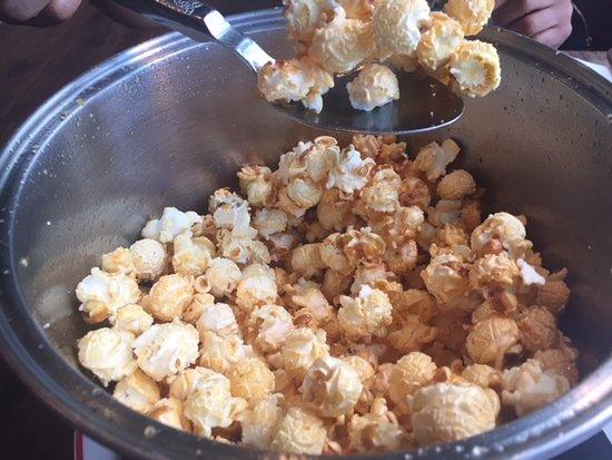 Founding Farmers- Tysons: Popcorn appetizer