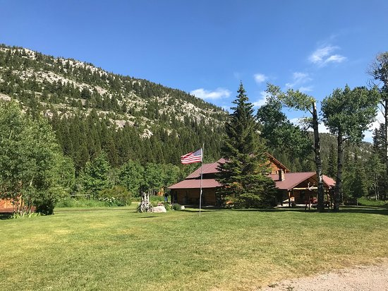 JJJ Wilderness Ranch: Main Lodge