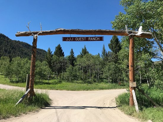 JJJ Wilderness Ranch: Main Entrance