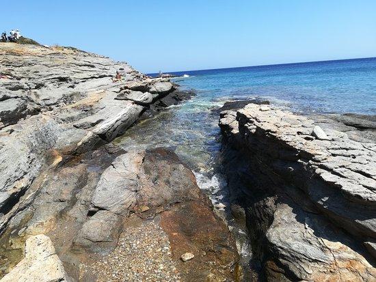 Chrisopigi, اليونان: Σαουρές