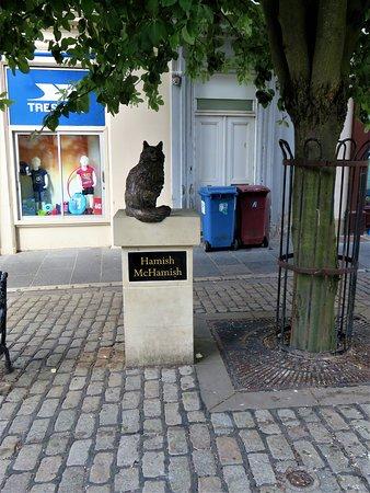 Hamish McHamish Statue